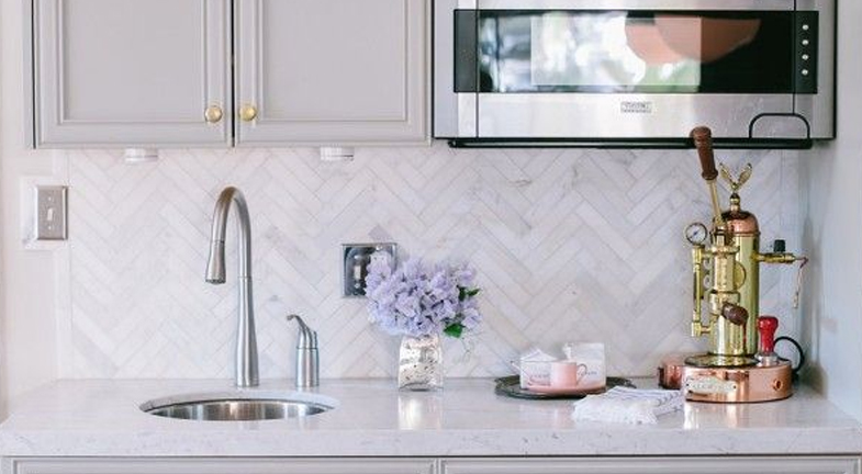 Pretty and Polished | 6 Wet Bar Designs: Steal The Look