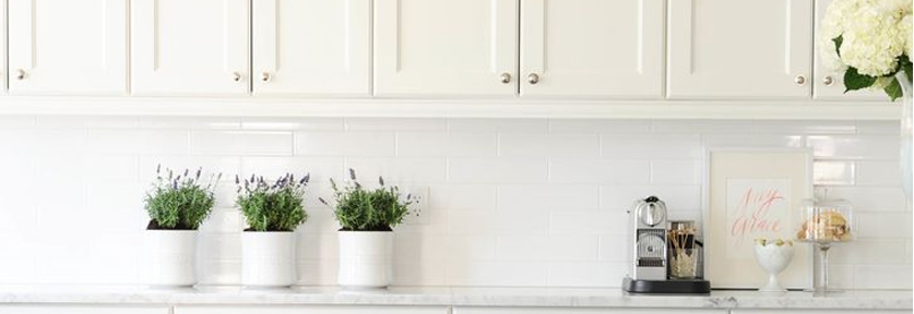 Color | 10 Décor Tips To Make Your Small Kitchen Feel Larger