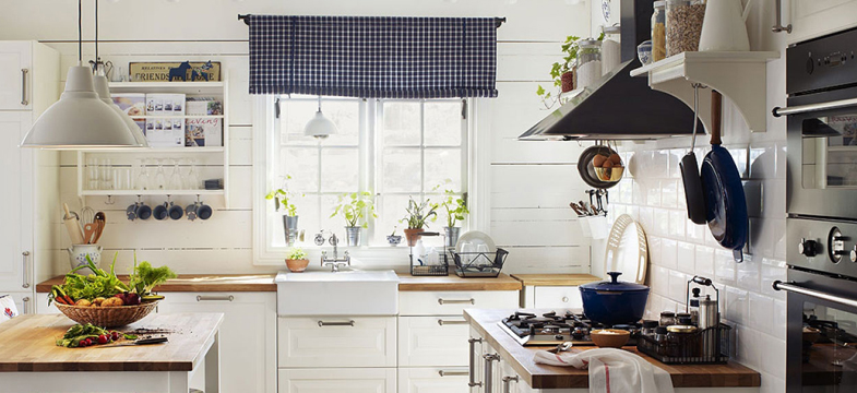 Country | Why White Kitchens Work