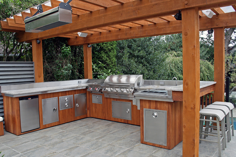 Outdoor Entertainment Must Haves | Kitchen Bath Trends